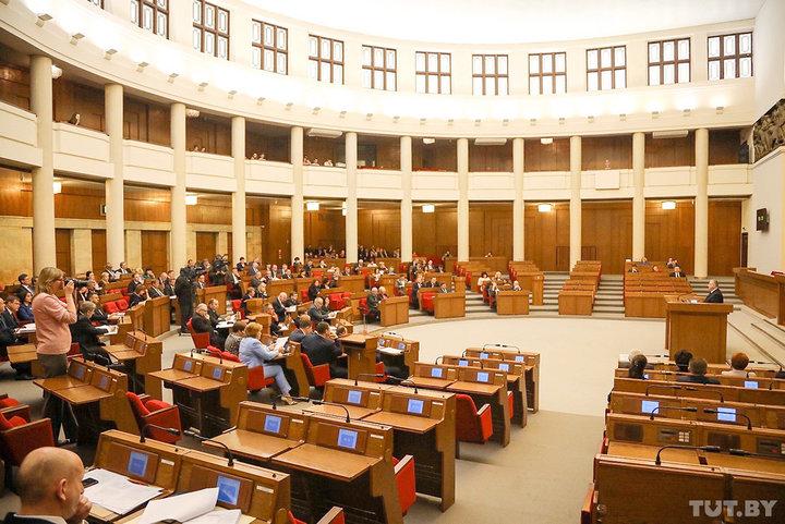 Депутаты приняли поправки в закон о СМИ: анонимные комментарии вне закона