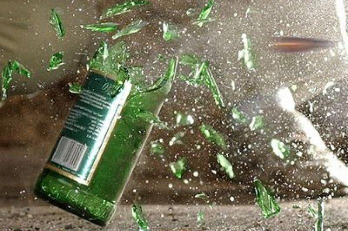 В Гродно мужчина разбил бутылку о голову пассажира троллейбуса