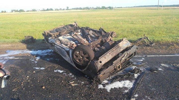 Под Вороново автомобиль перевернулся и сгорел