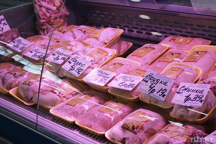 В Беларуси третий месяц подряд существенно дорожает курятина