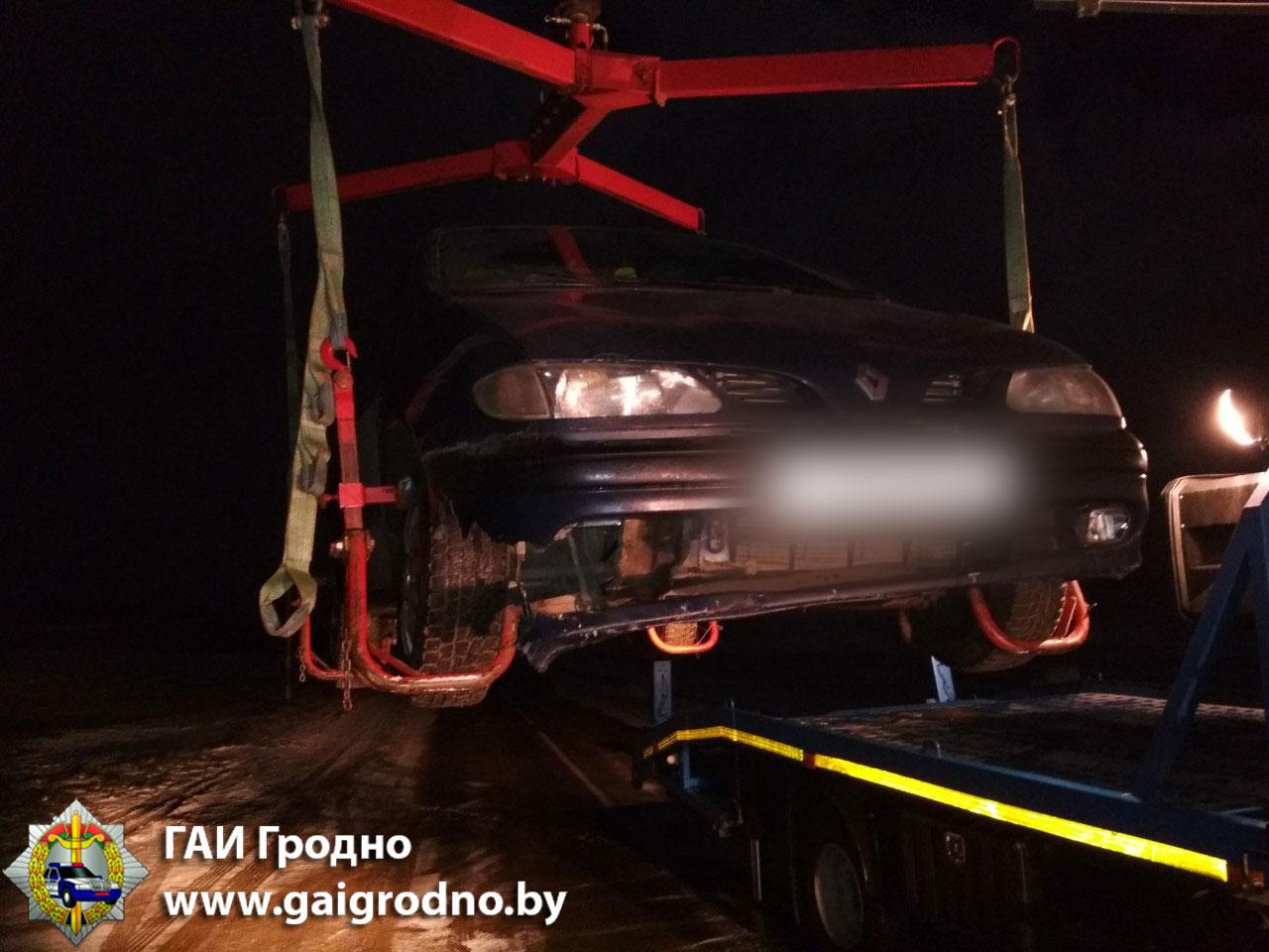 Под Гродно автомобиль переехал мужчину