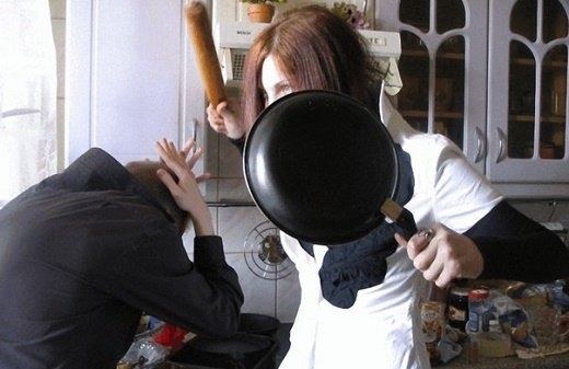 В Минске женщина избила мужа сковородой