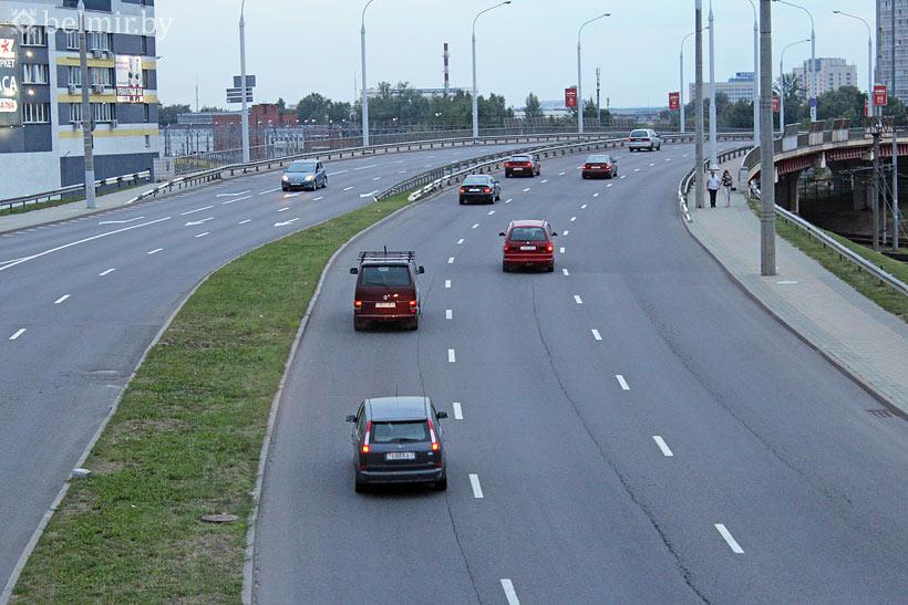 В Беларуси подешевела растаможка авто для многодетных и инвалидов