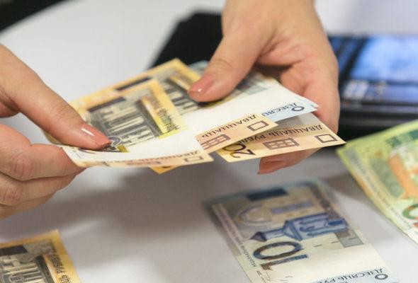 Премьер Беларуси: в марте средняя зарплата превысила 1000 рублей