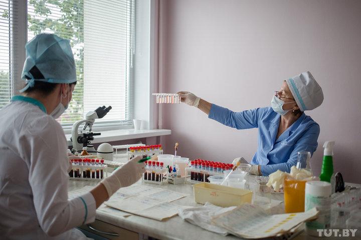 В Беларуси изменят оплату труда медиков