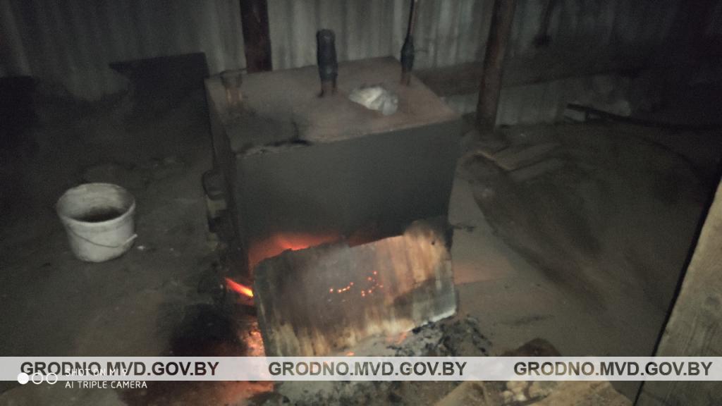 В Березовке милиционеры ликвидировали мини-завод по производству самогона