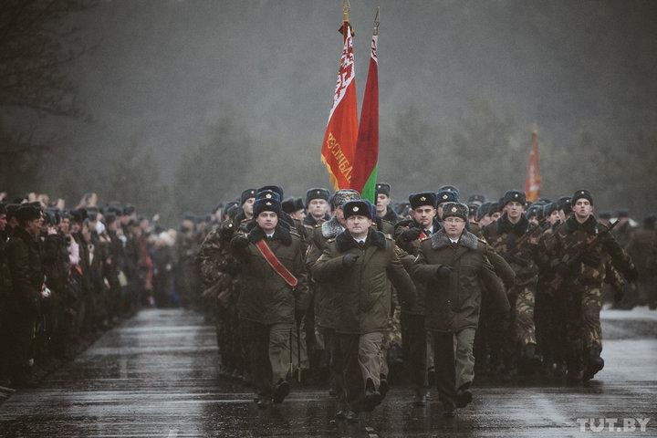 В Беларуси службу в армии будут включать в страховой стаж