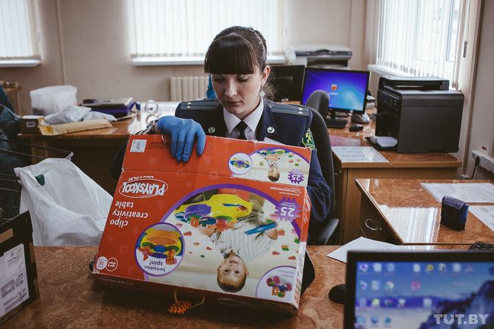 В Беларуси снизят таможенную пошлину за превышение лимитов на посылки