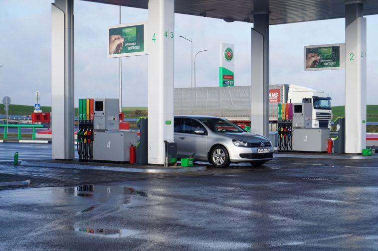 Белнефтехим опроверг слухи об ухудшении качества бензина
