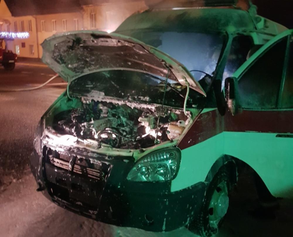 В Лиде ночью горела машина скорой помощи
