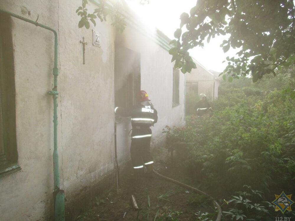 В Лидском районе сын спас жизнь отца на пожаре