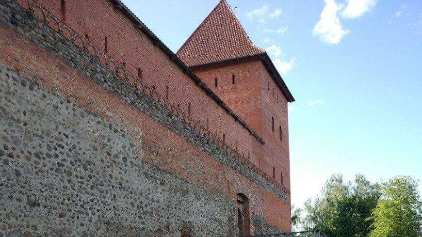 Лидский замок и знаменитое Лидское пиво: ради чего стоит поехать в Лиду