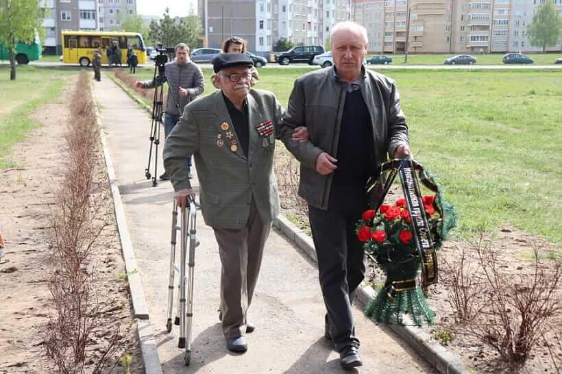 В Лиде после реконструкции открыли памятник на месте расстрела партизан