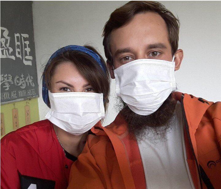 «Врачи приехали в «скафандрах». Лидчанин попал в больницу после поездки в Китай