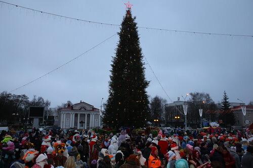 Главная елка города Лиды приглашает