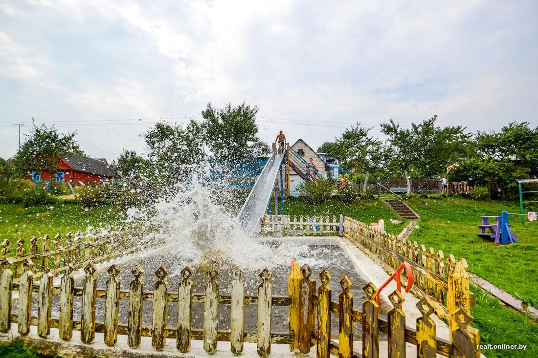 Пенсионеру из Лидского района помогут благоустроить самодельный «аквапарк»