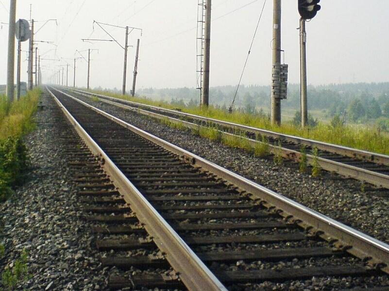 Под Лидой поезд сбил глухого мужчину c велосипедом