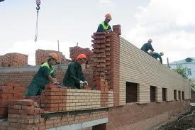 Беларусь потеряла 10 тысяч строителей