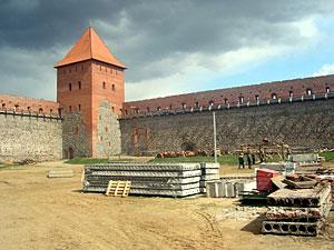 Лидский замок планируется восстановить к концу 2014 года